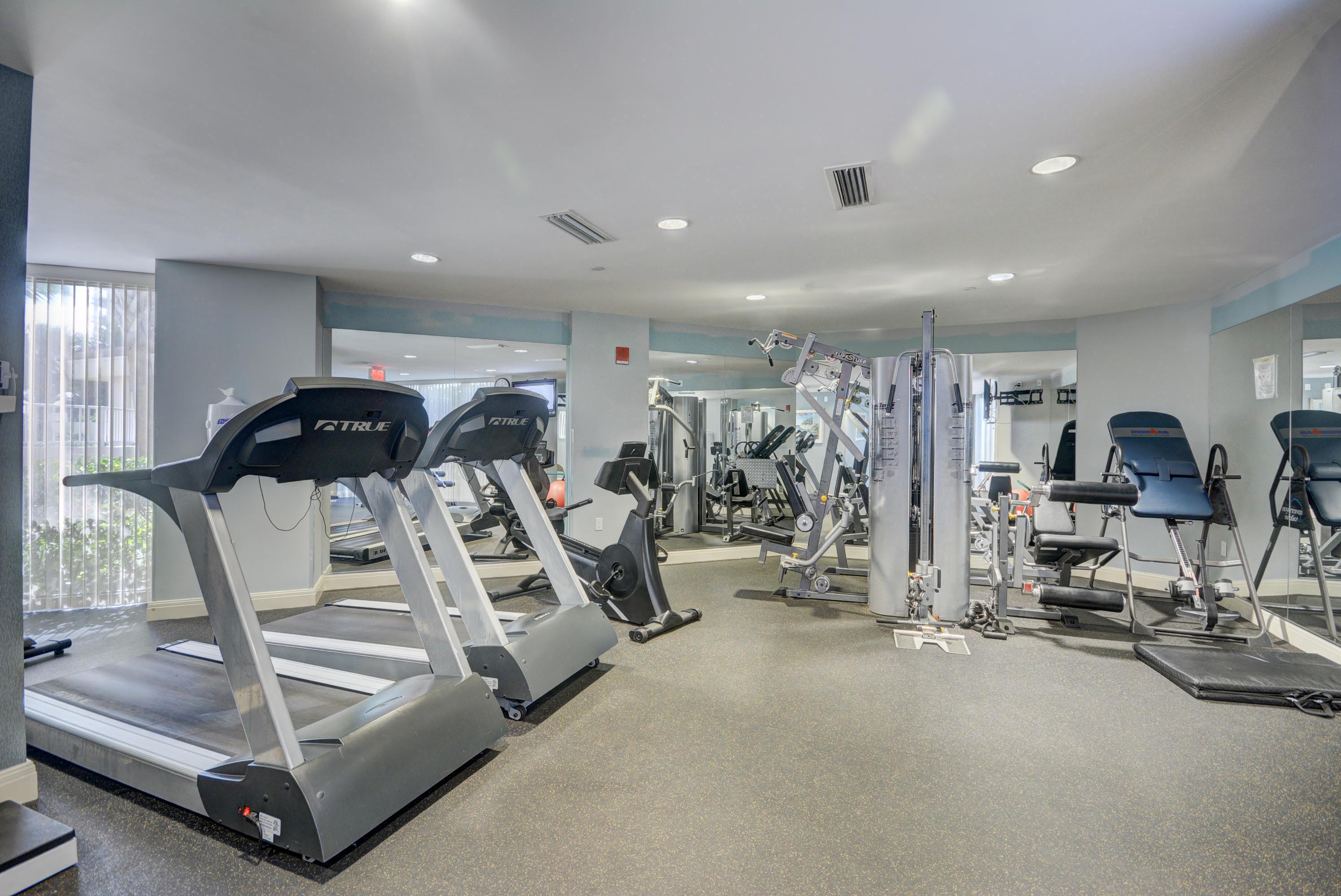 6 Fitness Center