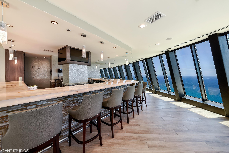 21 Marquis Lounge Bar