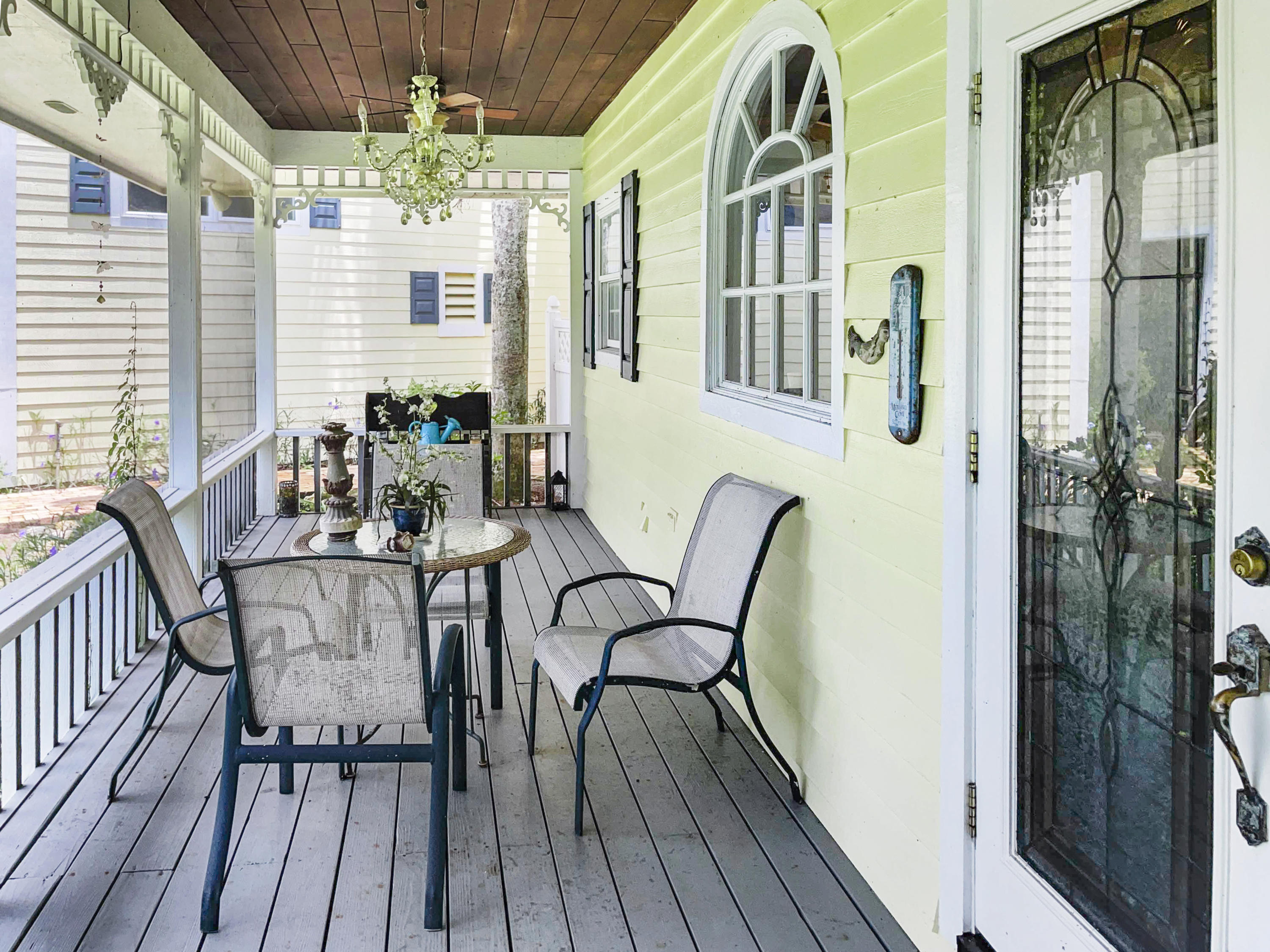 Screened Patio off Kitchen