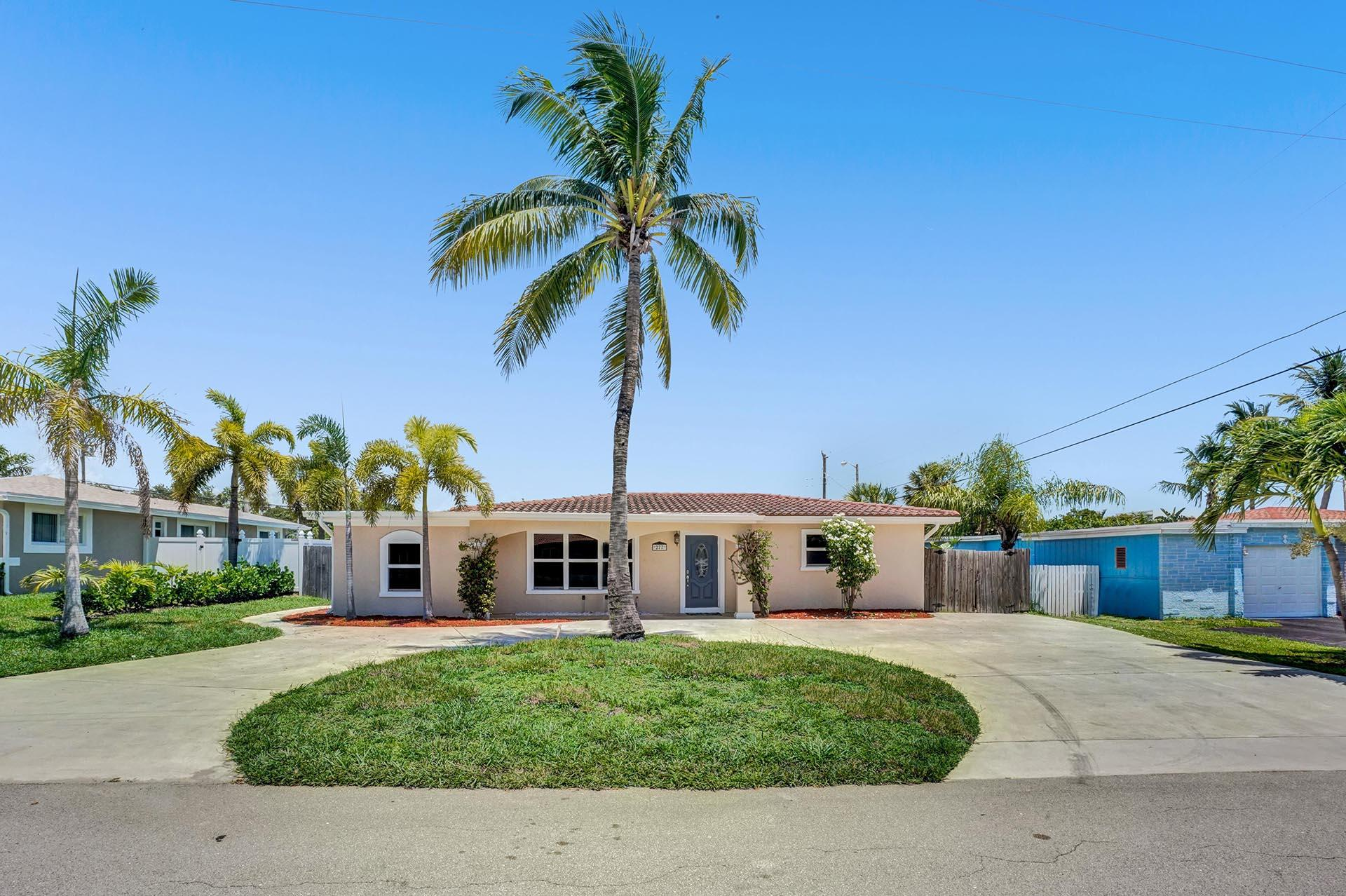 277 NW 12th Street  For Sale 10736485, FL