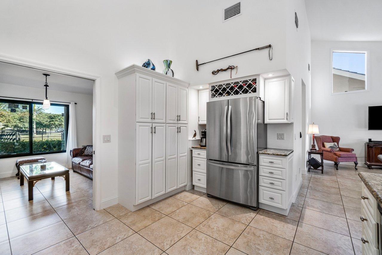 Belmont - kitchen 3