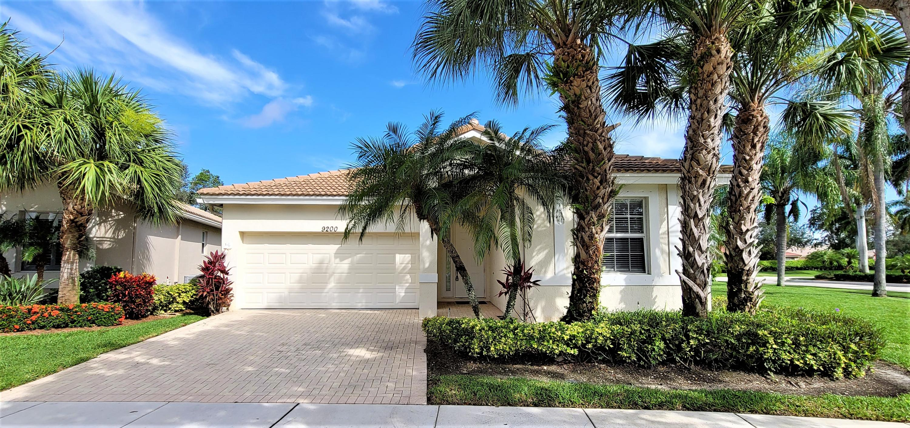 9200  Bay Point Circle  For Sale 10736709, FL