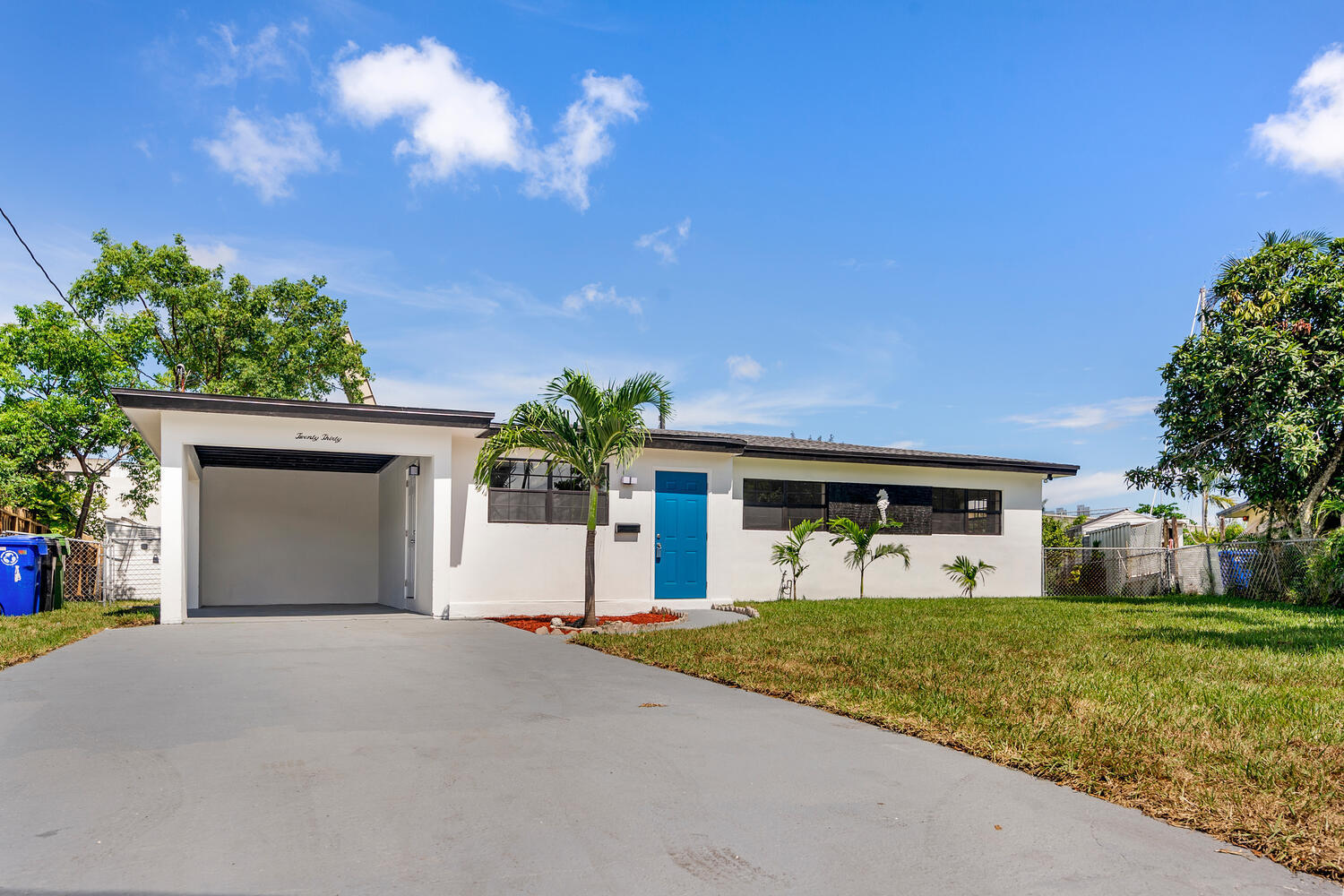2030 SW 22nd Avenue  For Sale 10735922, FL