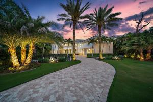 private and serene grounds + lush tropical landscaping