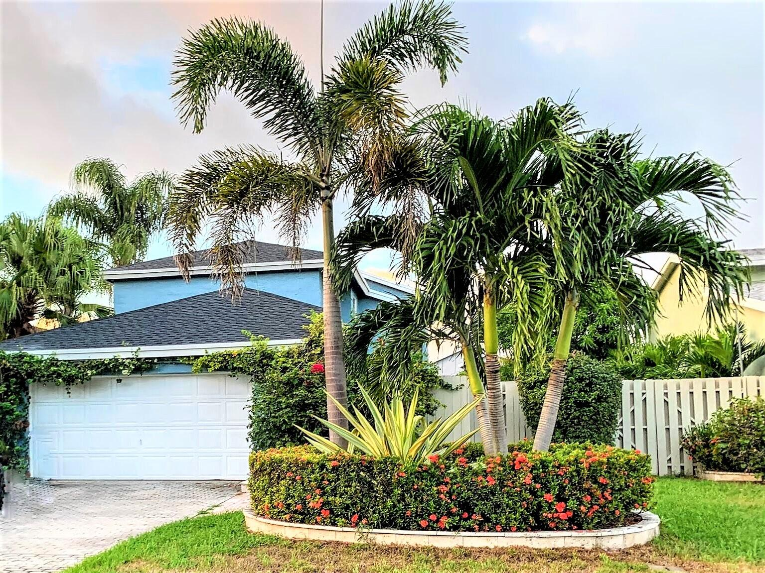 1935 NW 9th Street  For Sale 10737047, FL
