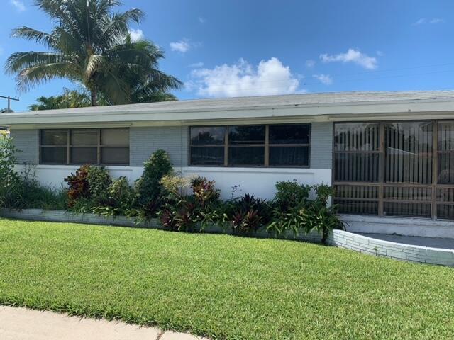260 NE 28th Ter Terrace  Boca Raton, FL 33431