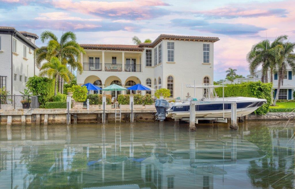 1040  Lewis Cove Road  For Sale 10737088, FL