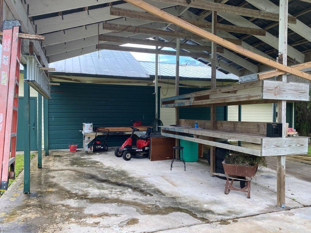 Barn & Garage