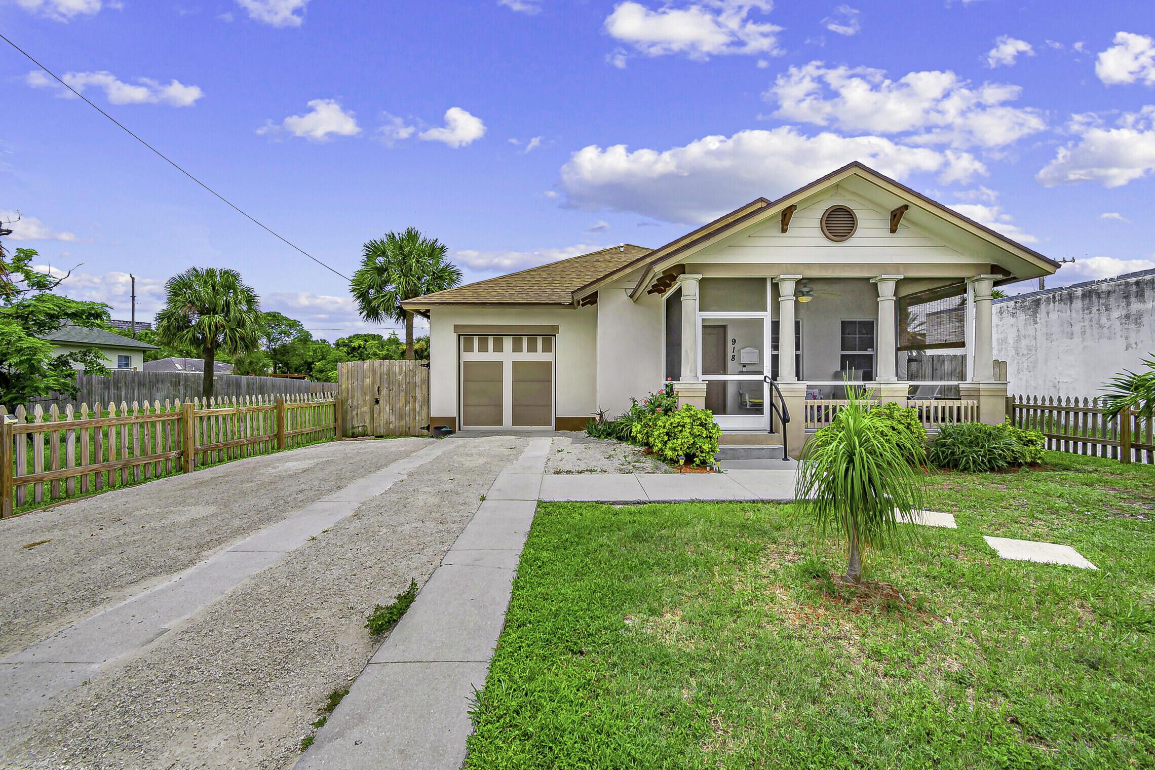 918  13th Street  For Sale 10733136, FL