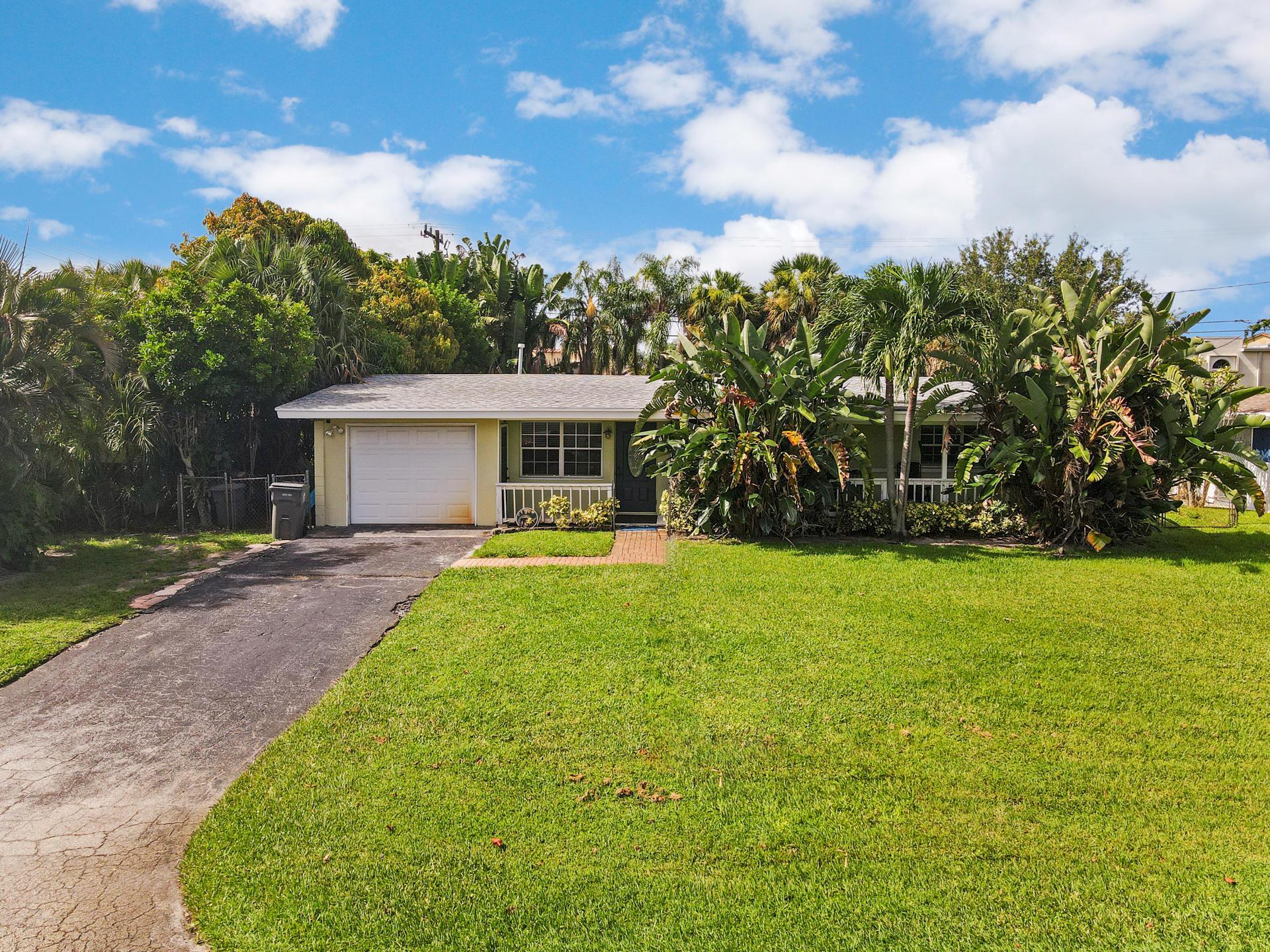 1977  Pleasant Drive  For Sale 10737973, FL
