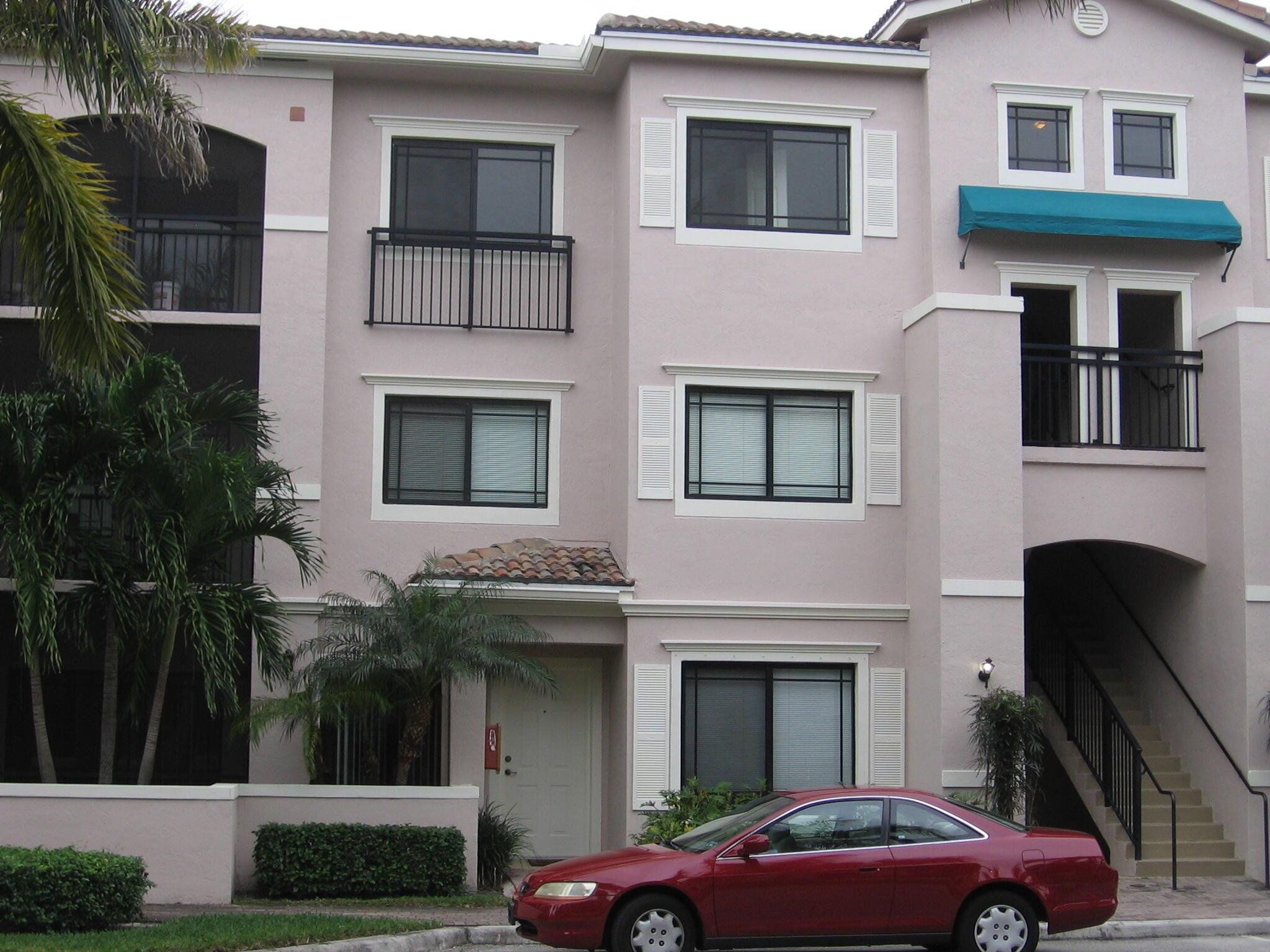2803 Sarento Place 301 Palm Beach Gardens, FL 33410