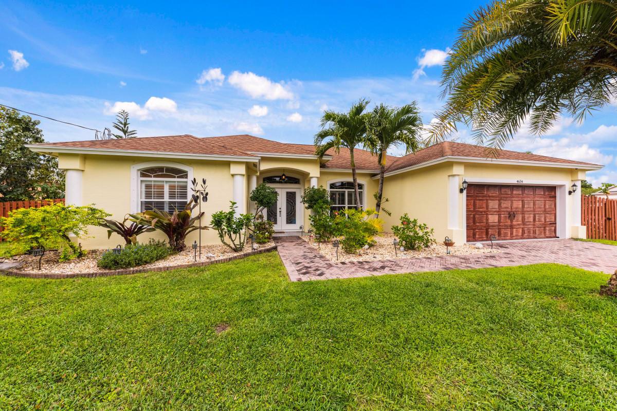 Details for 4634 Hallmark Street Sw, Port Saint Lucie, FL 34953