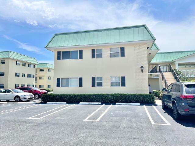 18 Colonial Club Drive 100 Boynton Beach, FL 33435