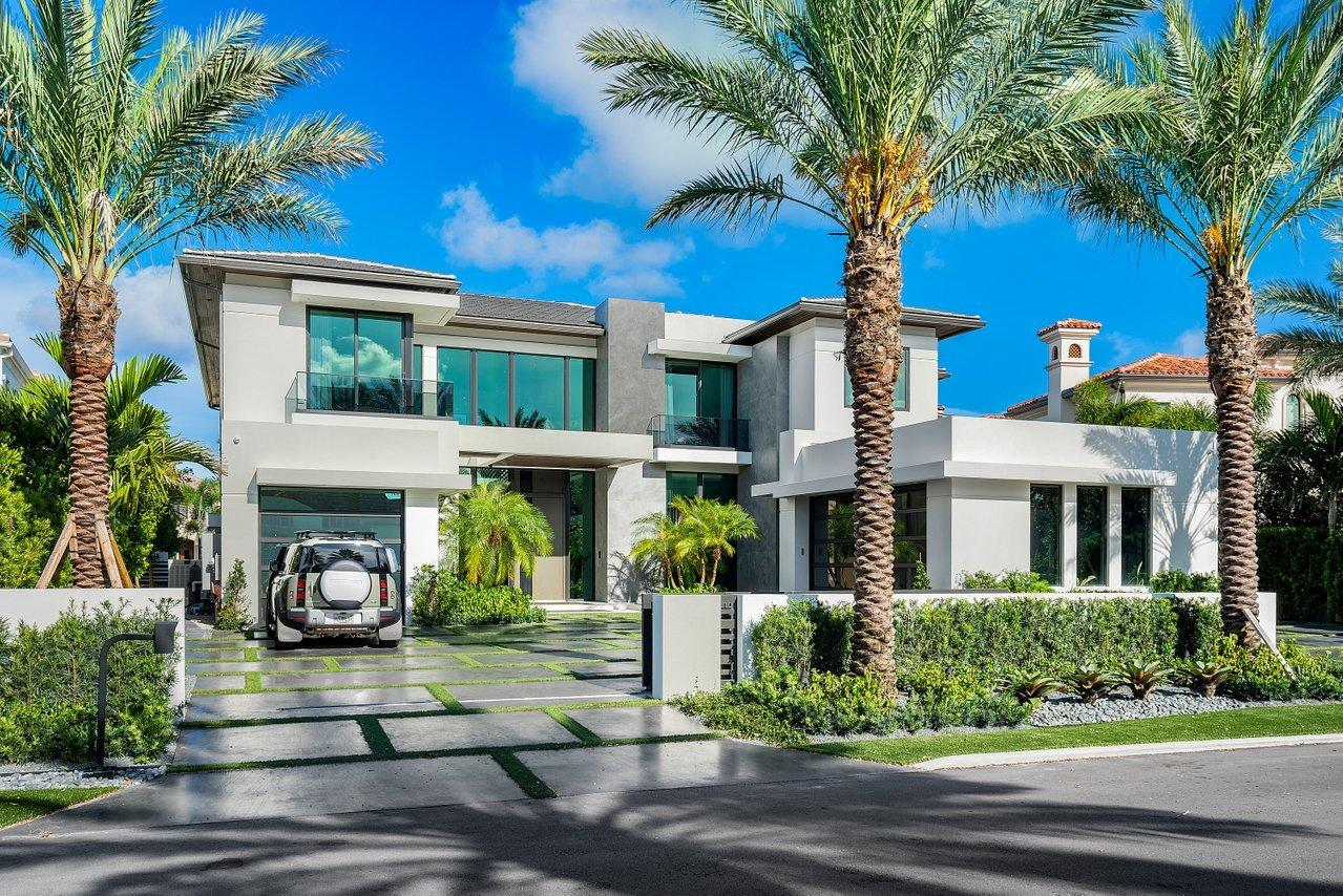 372 E Coconut Palm Road  For Sale 10737949, FL