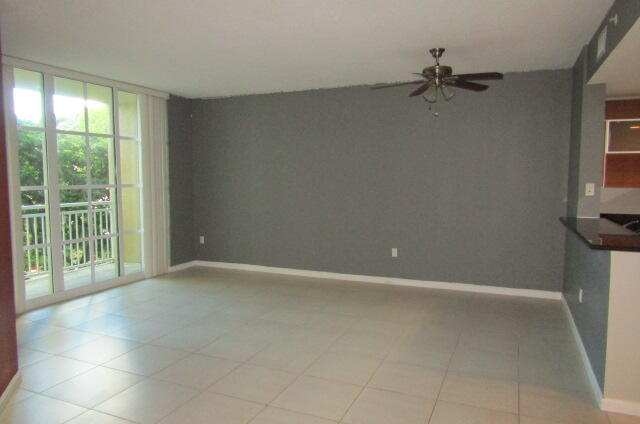 410 Evernia Street 414 West Palm Beach, FL 33401 photo 5