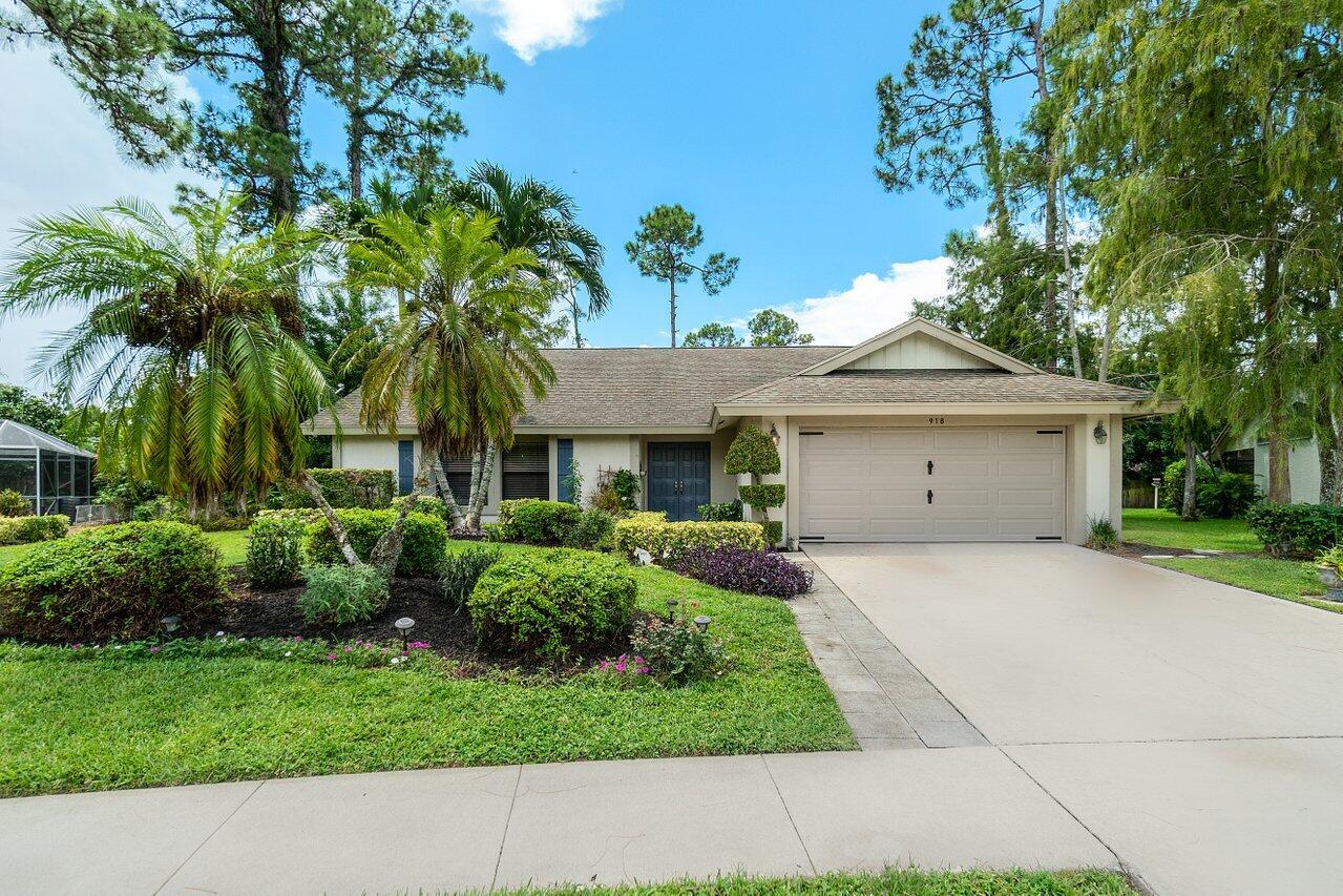 918  Meadow Avenue  For Sale 10738175, FL