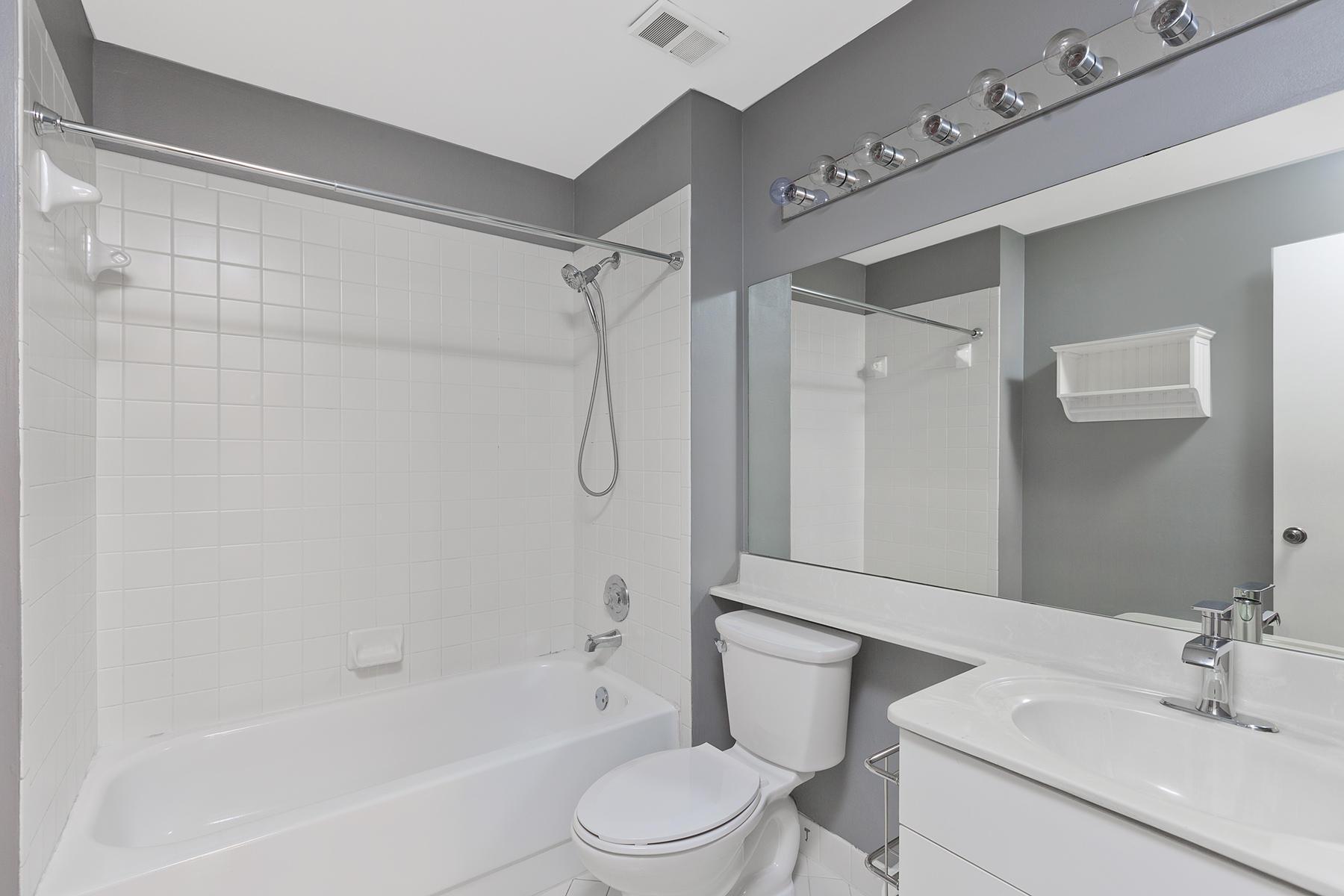 22_Bathroom2