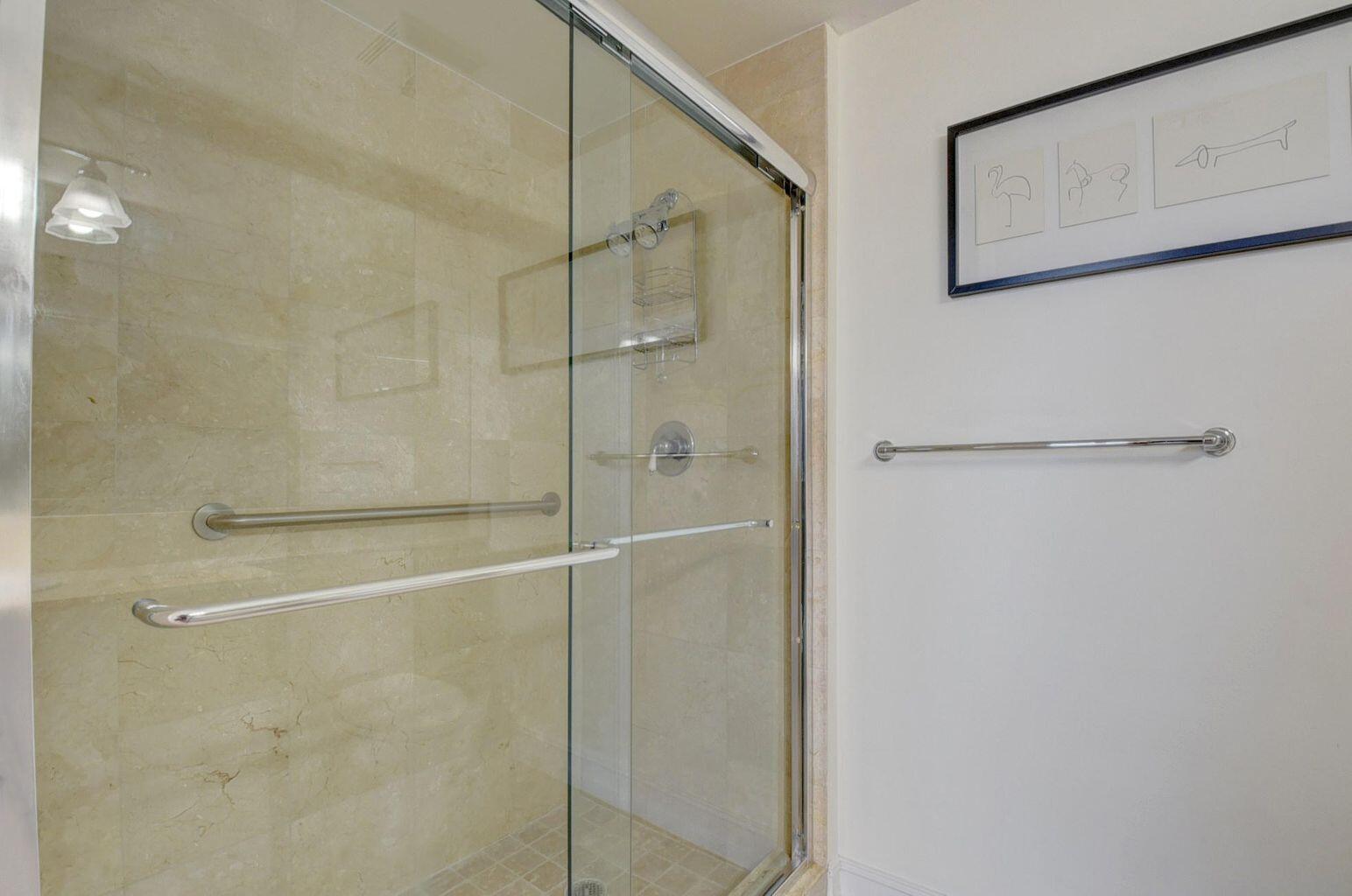 Guest Bath Moorings 2