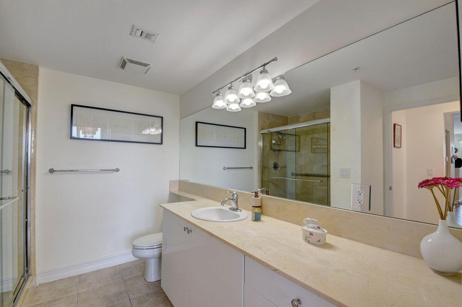 Guest Bath Moorings