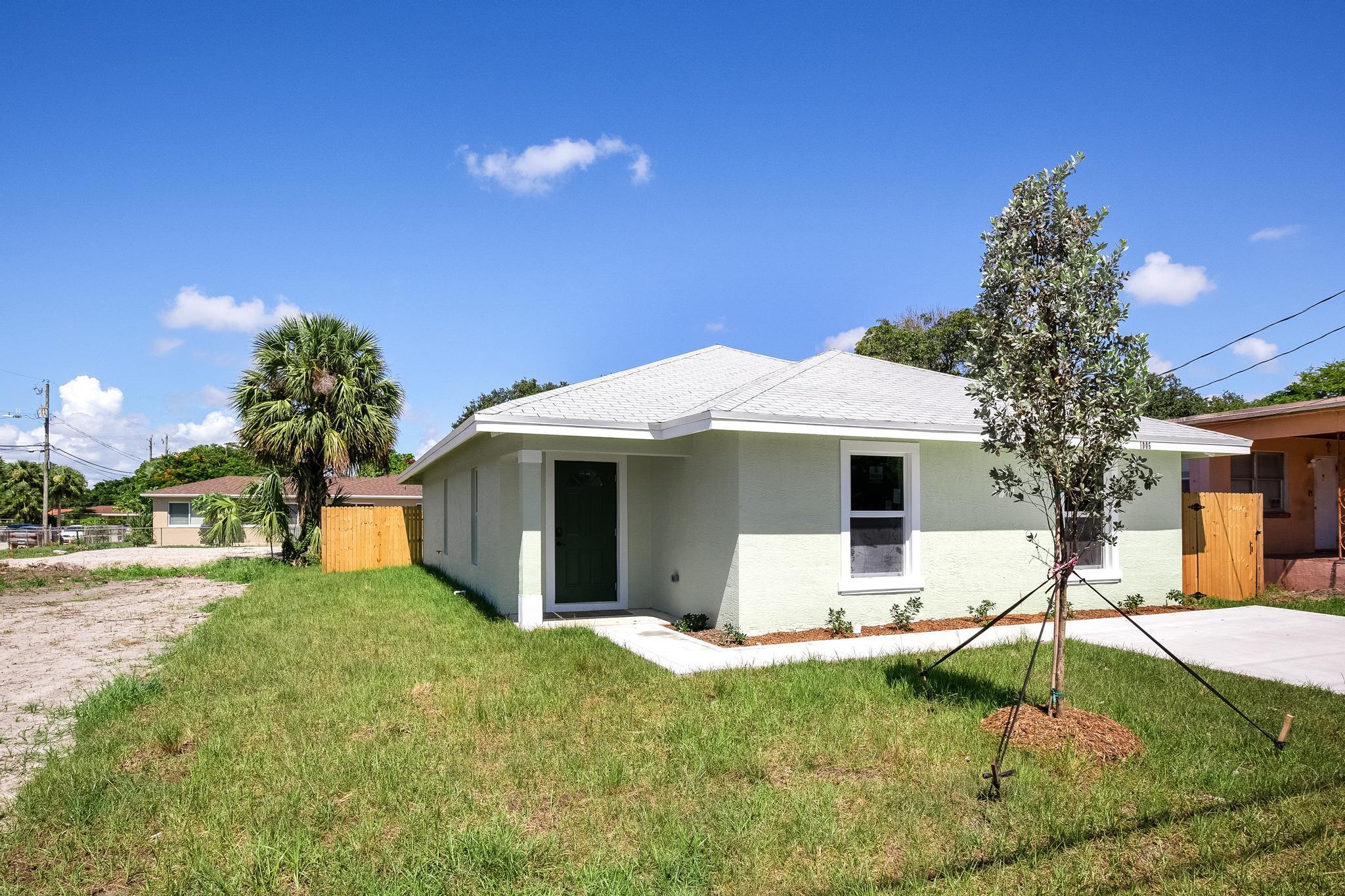 Photo of 1005 Windsor Avenue, West Palm Beach, FL 33401