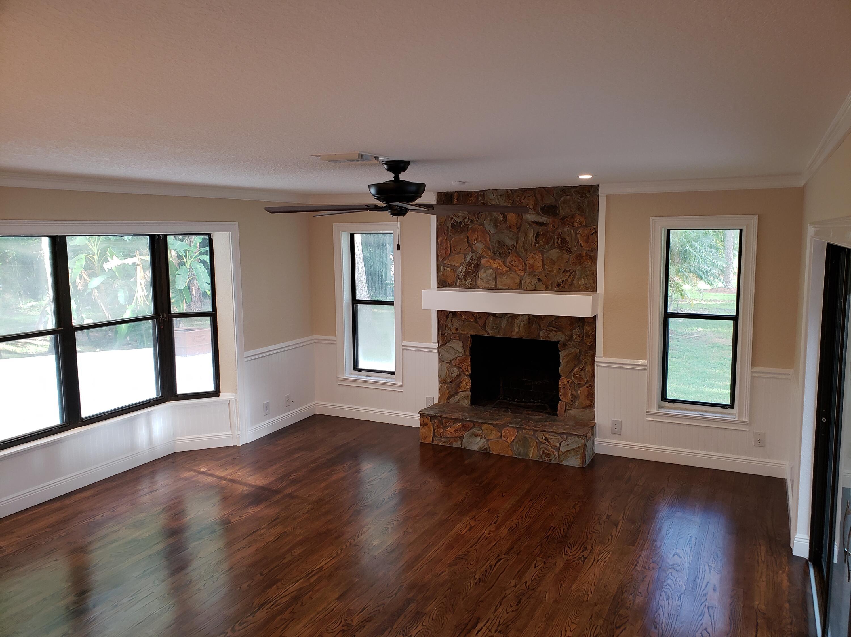 Family Rm w/Real Oak Floors