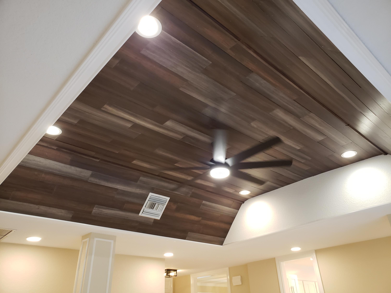 Living Rm 10' Volume Wood Ceiling