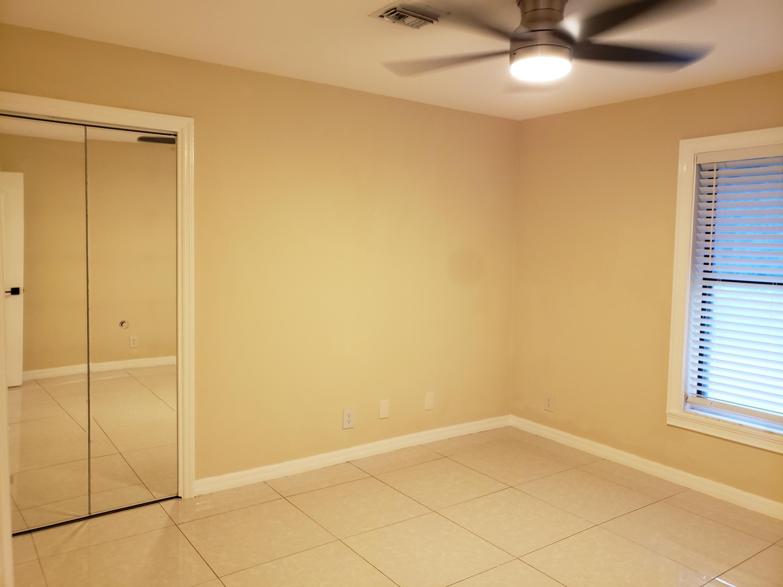Bedroom 3 - Mirror Closet Door