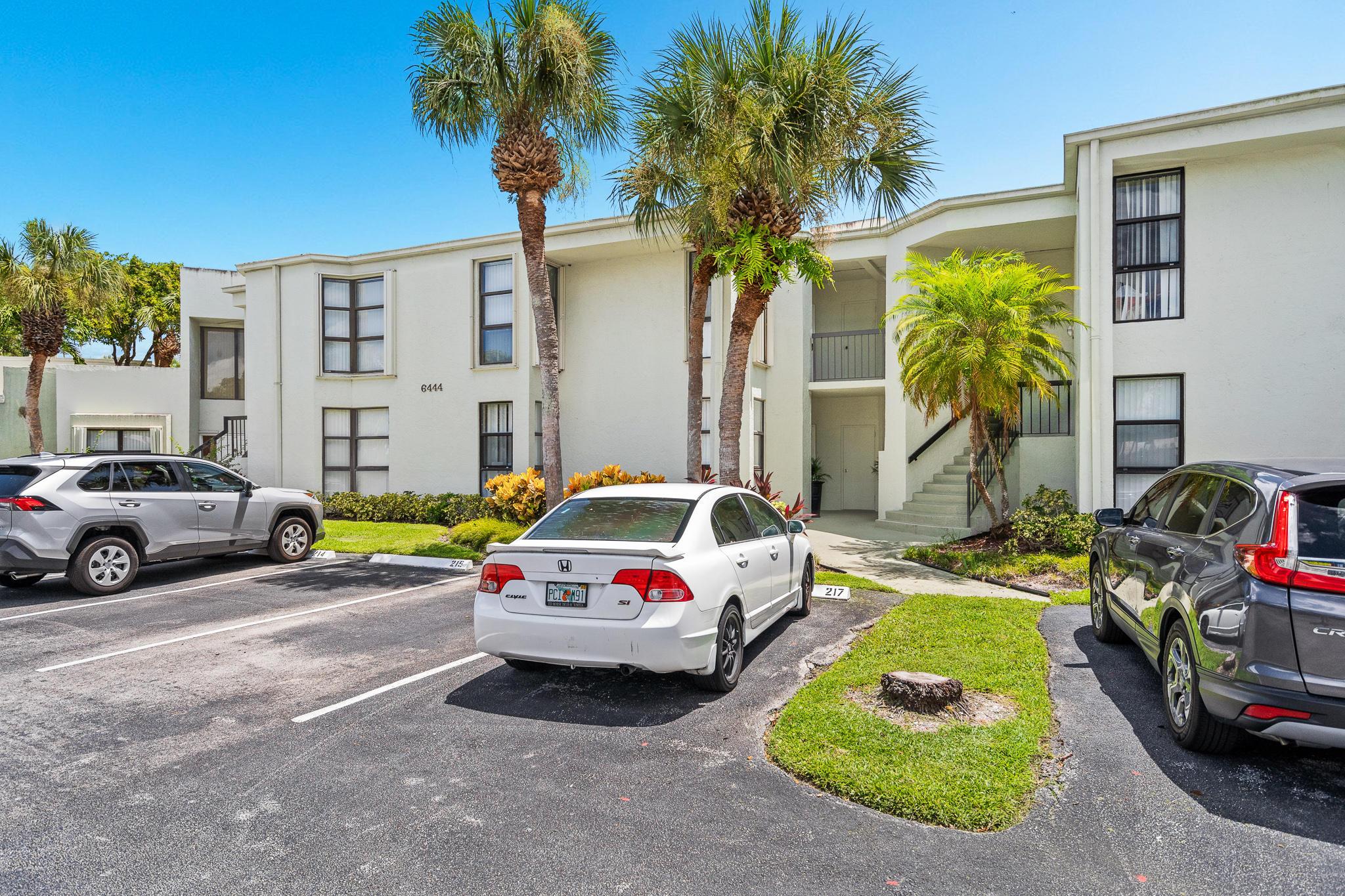6444  La Costa Drive 103 For Sale 10734016, FL