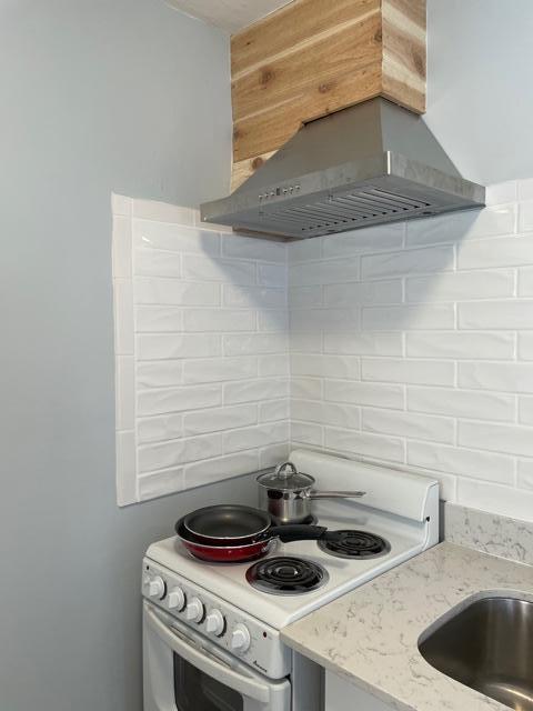 Cottage-stove with pots & pans