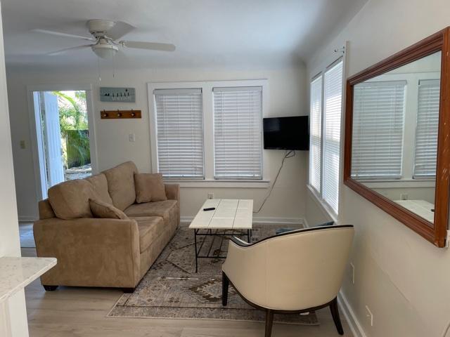 cottage-livingroom 3