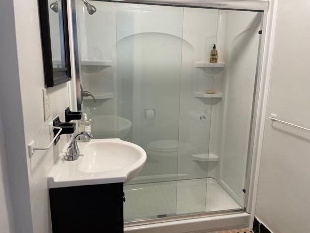 cottage- bathroom 2