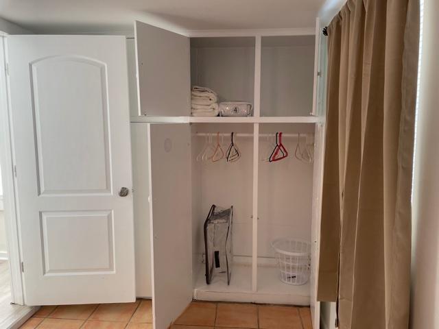 cottage-bedroom closets