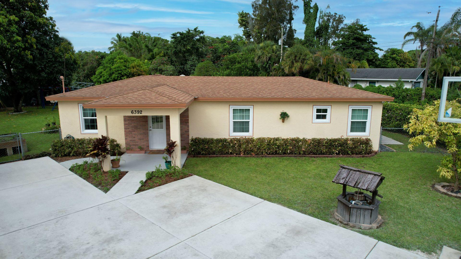 6392  Alexander Road  For Sale 10738914, FL