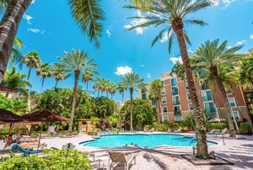 630 S Sapodilla Avenue 406 For Sale 10738961, FL