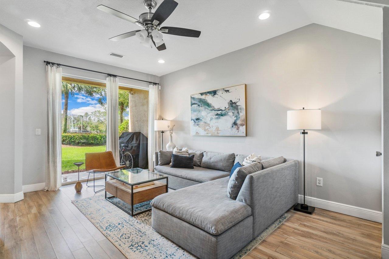 381 River Bluff Lane Royal Palm Beach, FL 33411 photo 4