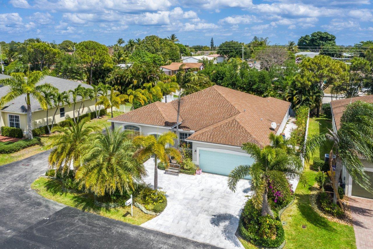 46  Lake Eden Drive  For Sale 10738918, FL