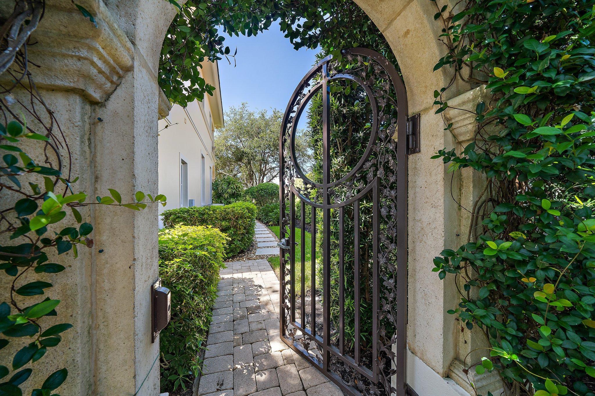 side gate entry