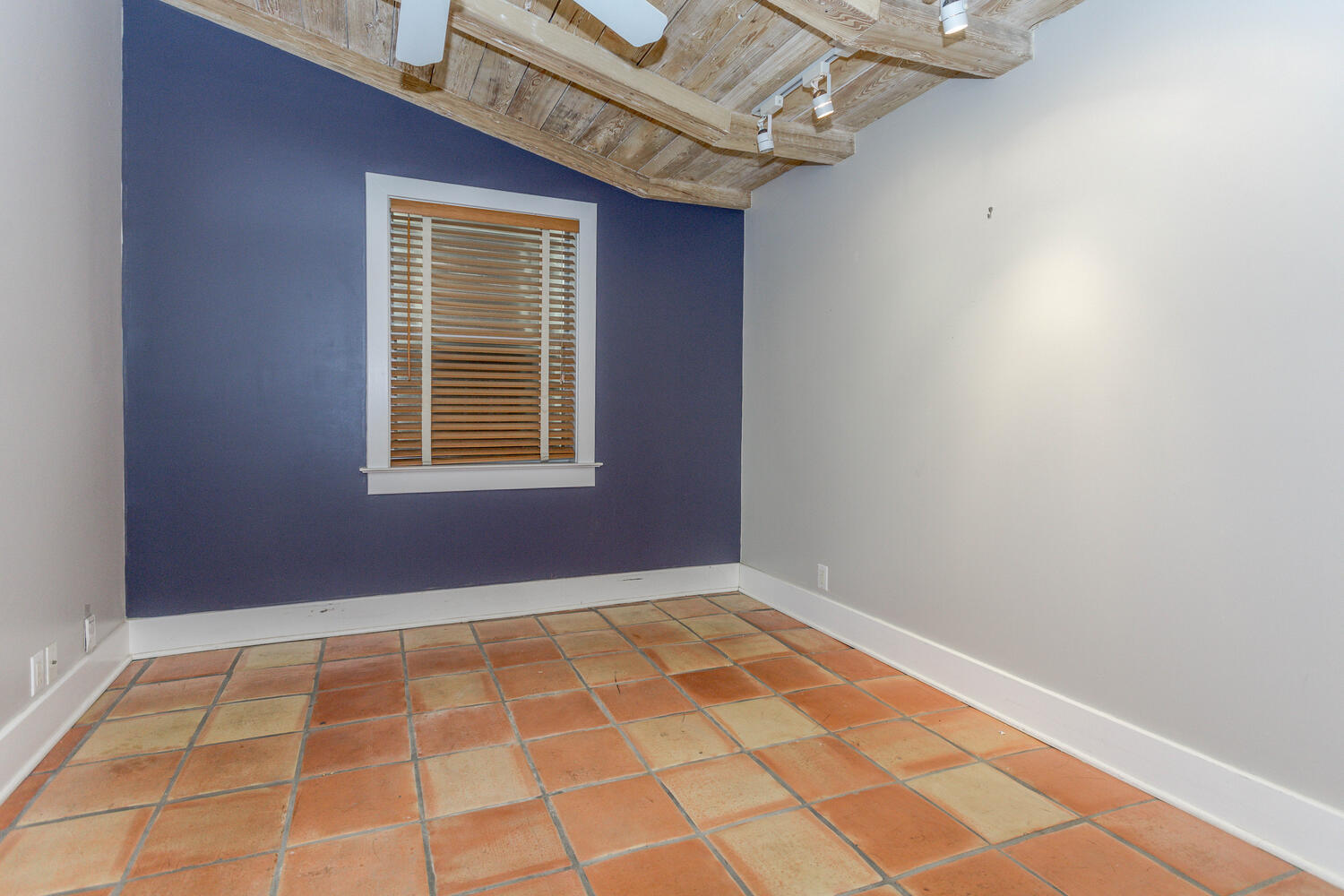 340 Plymouth Rd West Palm-large-037-045-