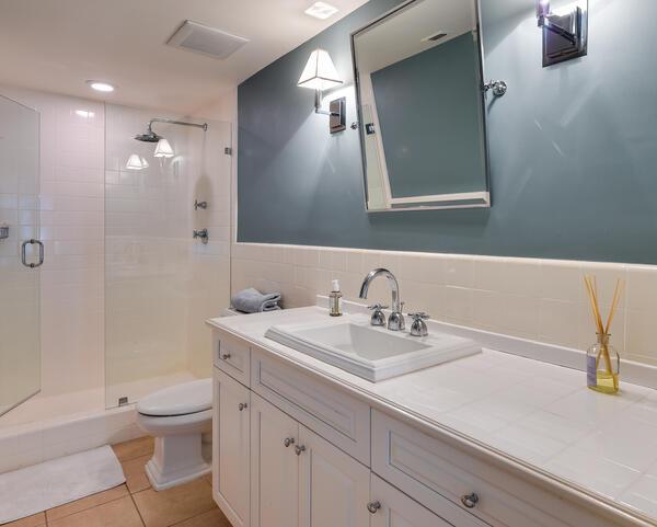 250 Bradley Pl 609 - Bathroom 1