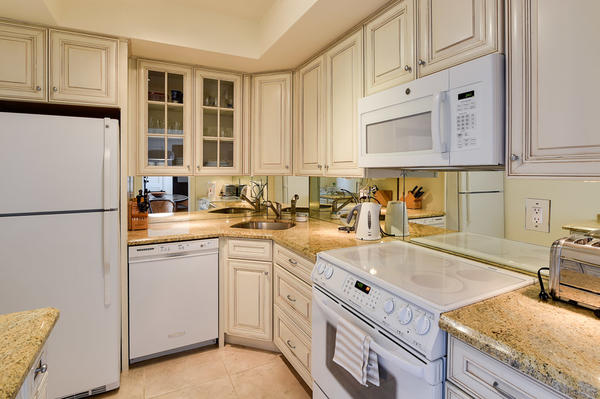 250 Bradley Pl 609 - Kitchen