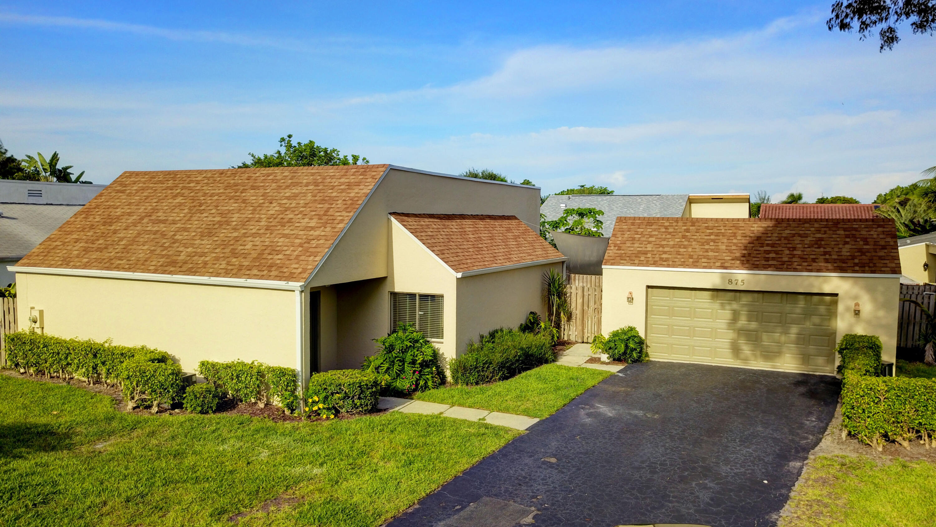 875 NW 22nd Avenue  For Sale 10739523, FL