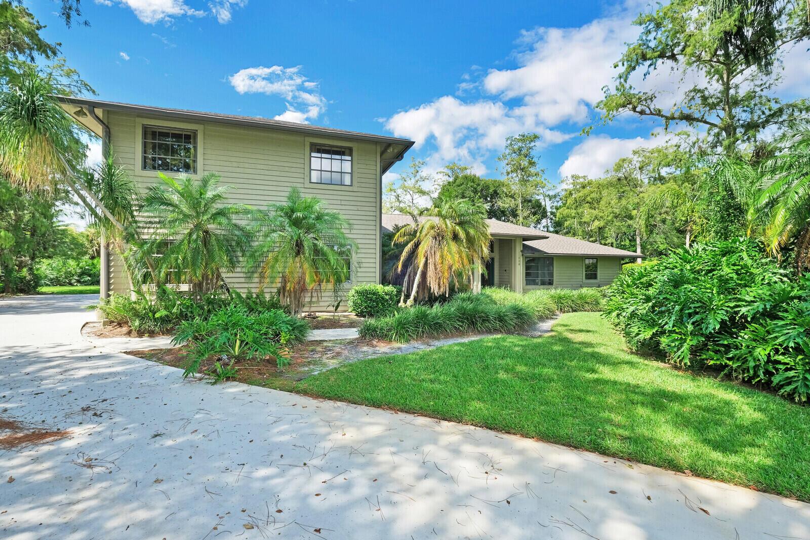 336  Scarborough Ter Terrace  For Sale 10739182, FL