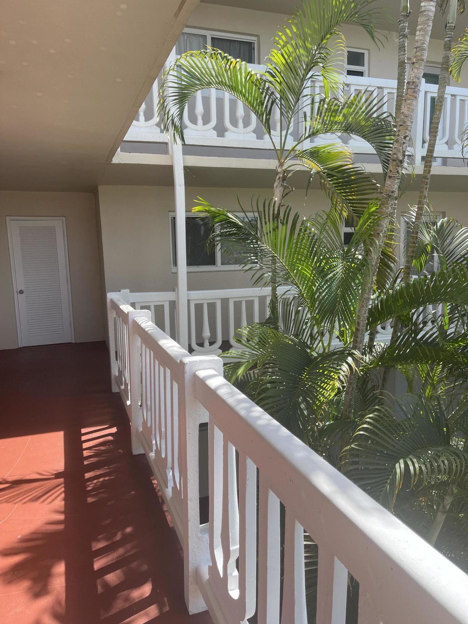 2615 Garden Drive N 209 Lake Worth, FL 33461