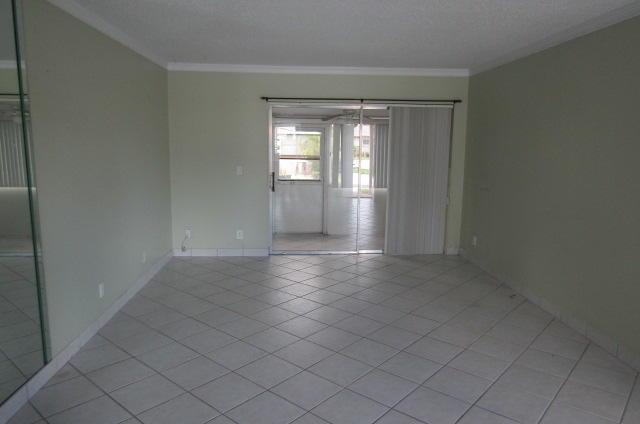 2546 Dudley Drive G West Palm Beach, FL 33415 photo 2