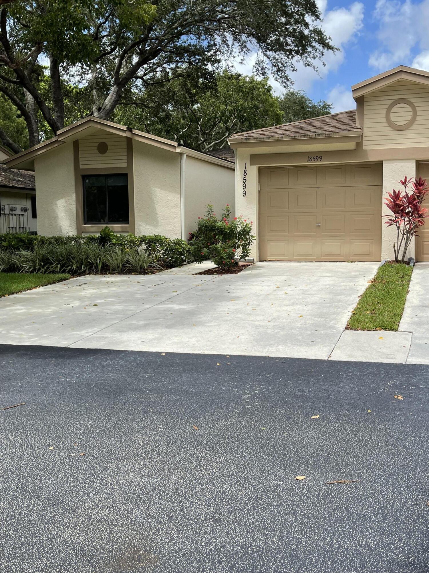 18599  Breezy Palm Way  For Sale 10739179, FL