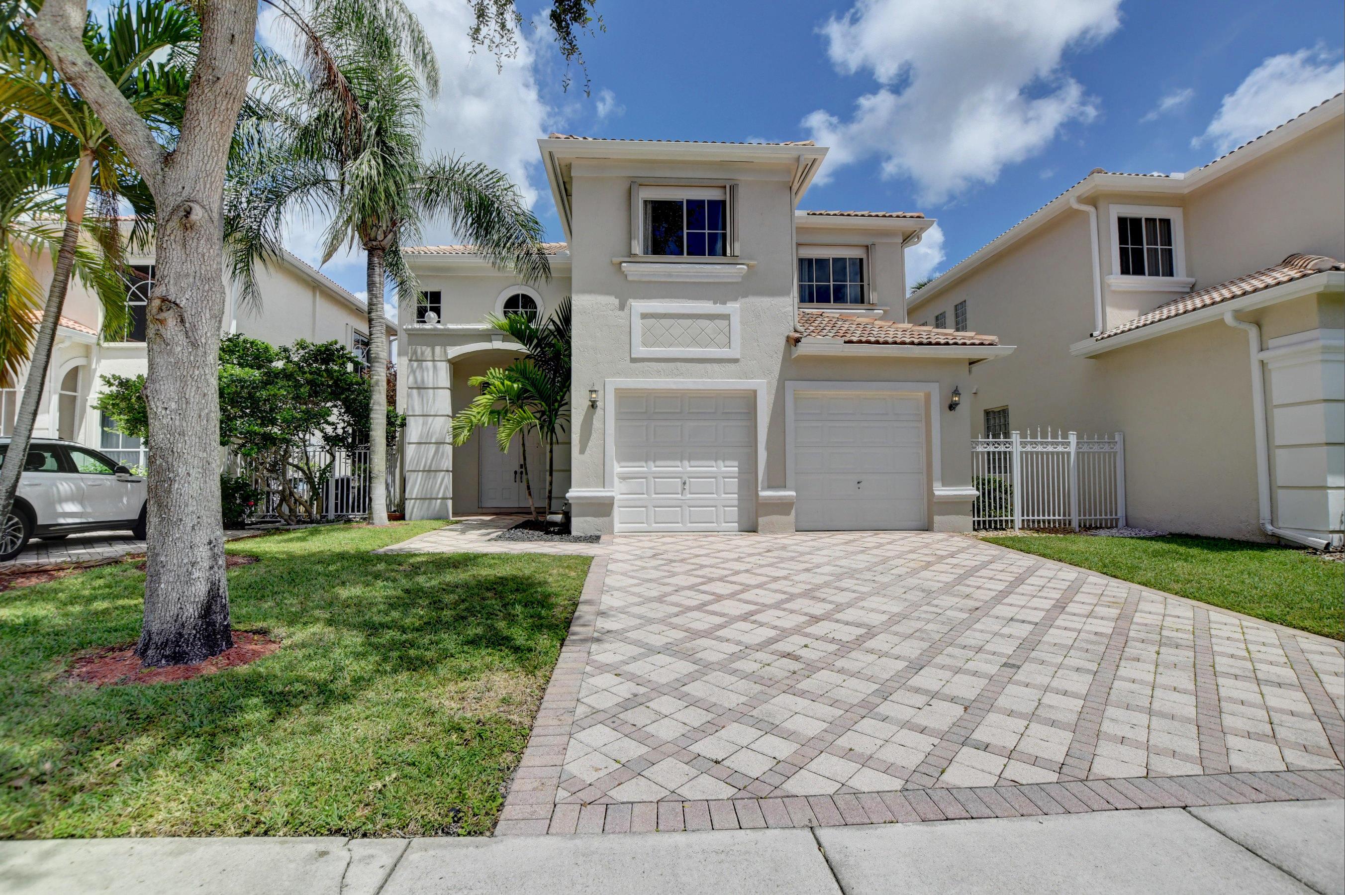 9729  Vineyard Court  For Sale 10739273, FL