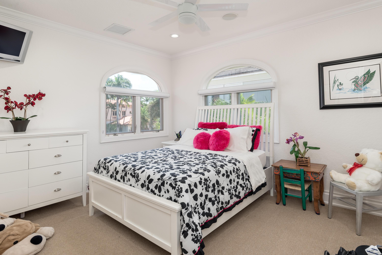 039_Bedroom Suite 3