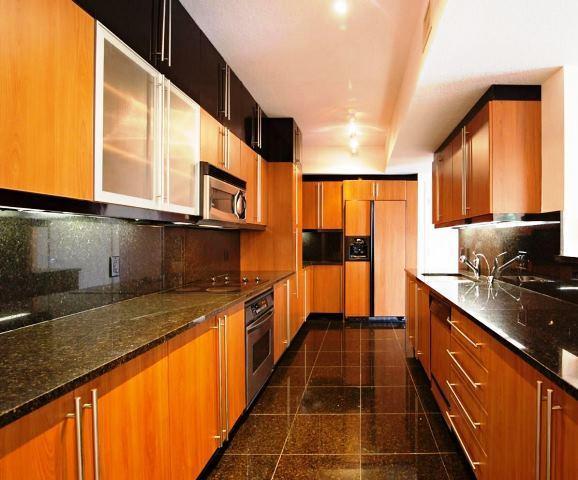 Kitchen emply