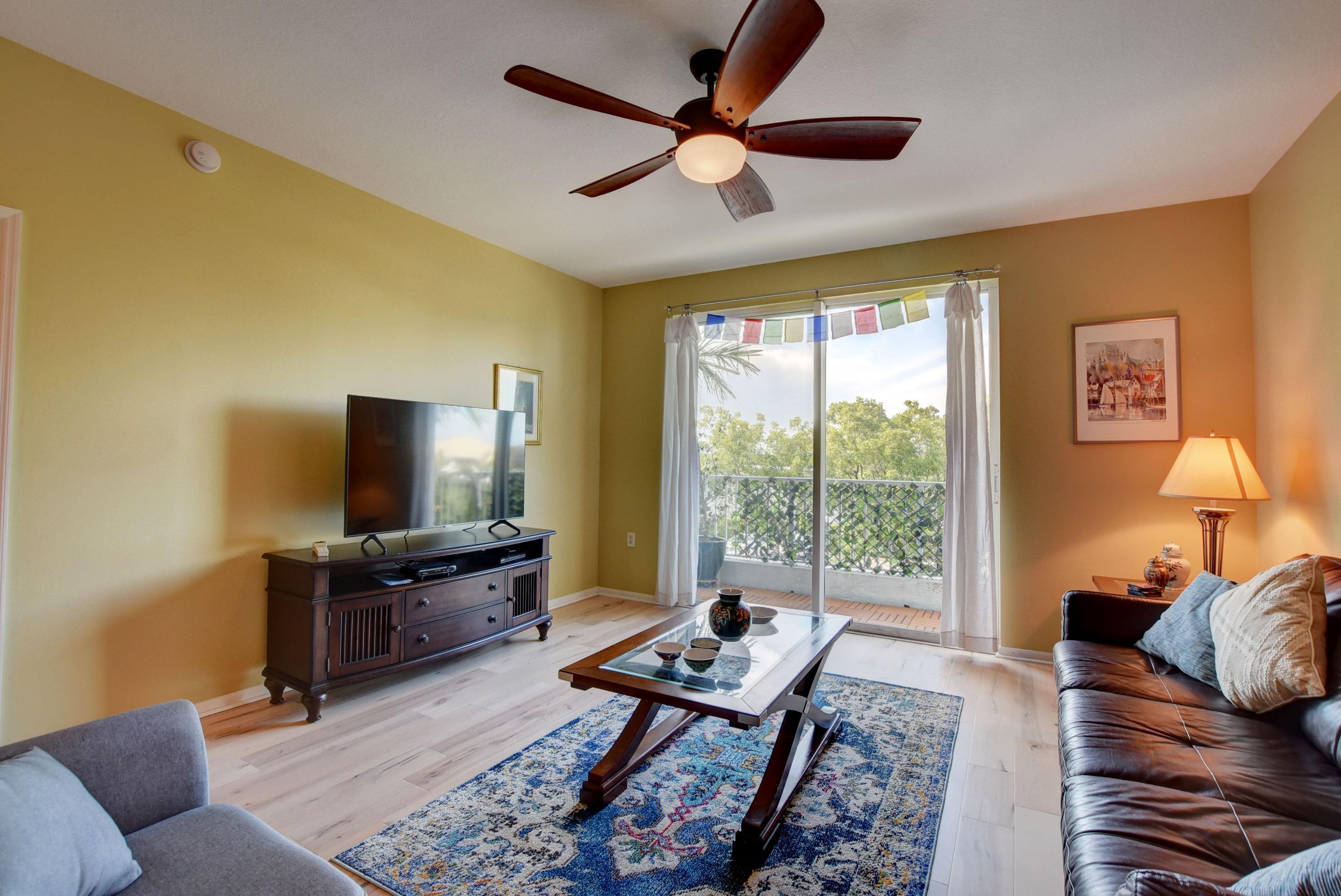 2.4 Living room
