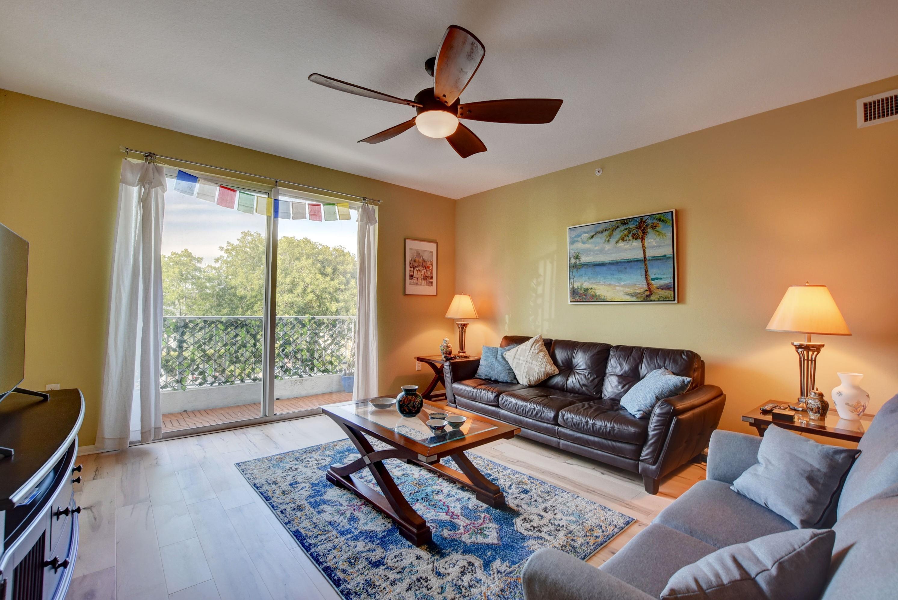 2.5 Living room